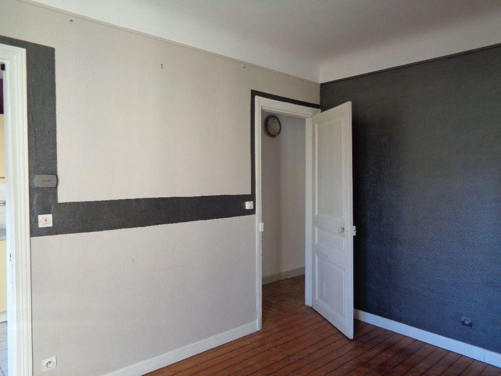 Appartement à louer 3 68m2 à Reims vignette-3