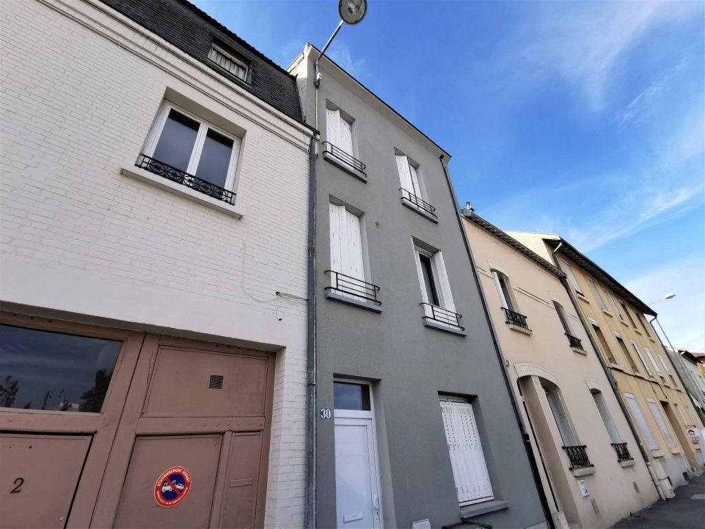Appartement à louer 1 16m2 à Reims vignette-3