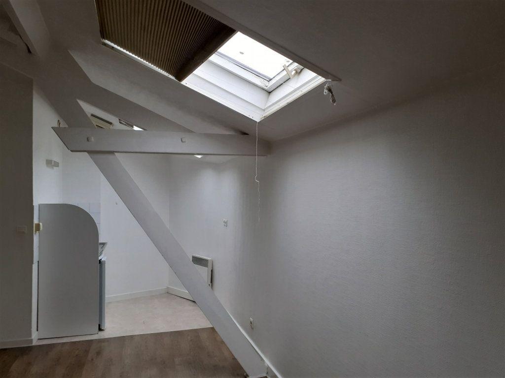 Appartement à louer 1 20m2 à Reims vignette-8