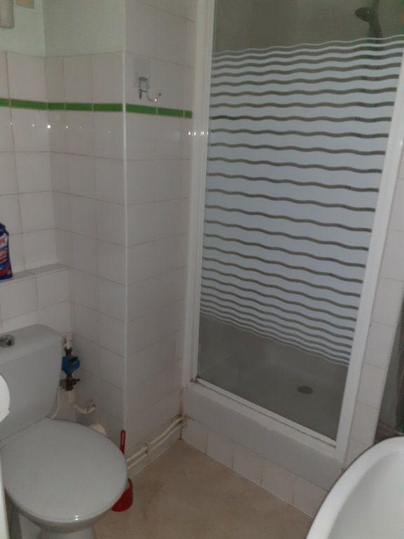 Appartement à louer 1 20m2 à Reims vignette-10