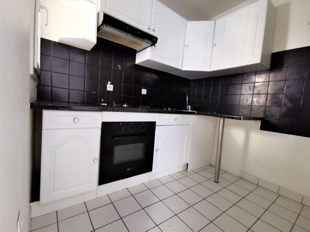 Appartement à louer 1 45.51m2 à Reims vignette-2