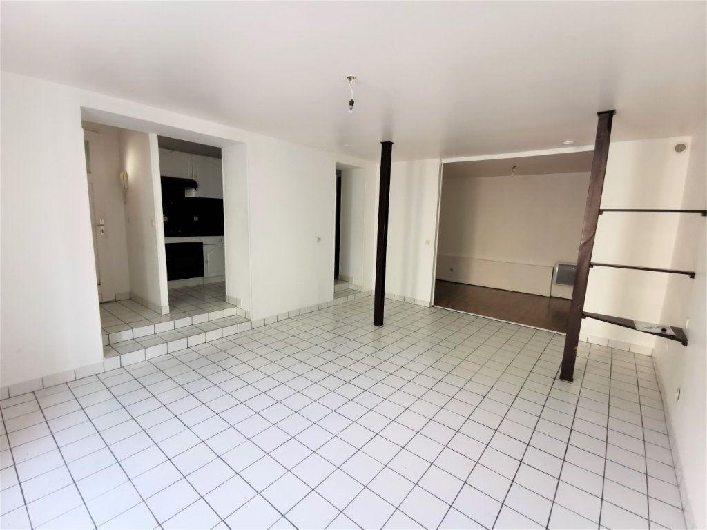 Appartement à louer 1 45.51m2 à Reims vignette-3