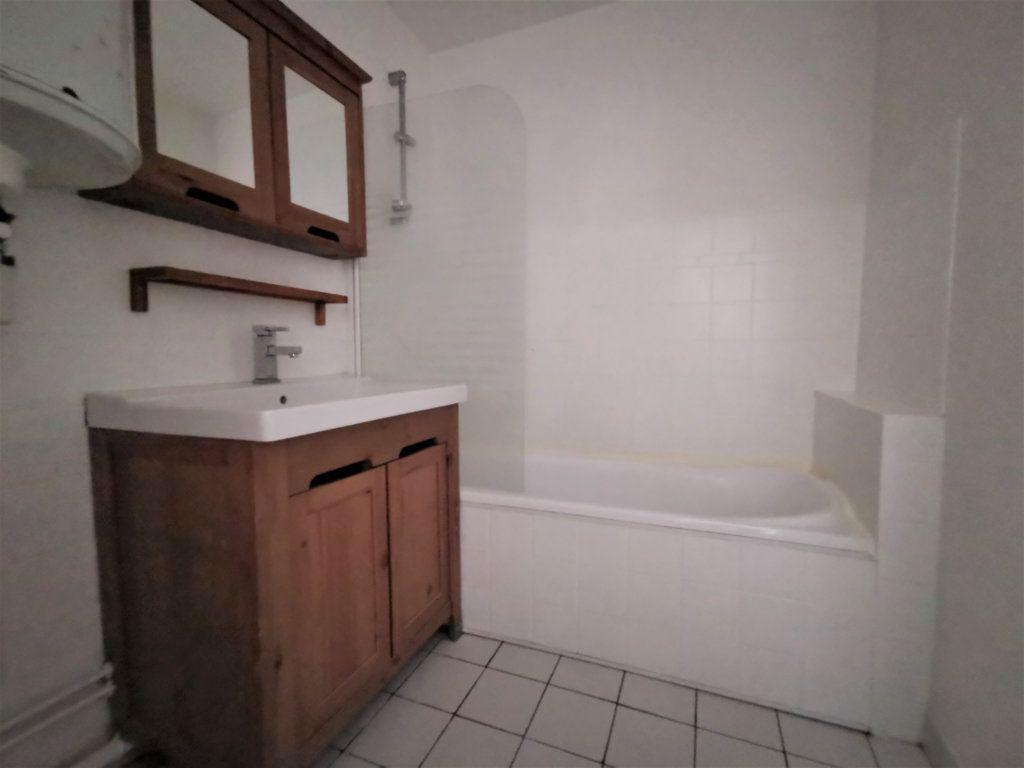 Appartement à louer 1 45.51m2 à Reims vignette-9