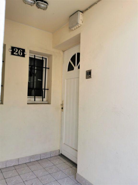 Appartement à louer 1 45.51m2 à Reims vignette-10