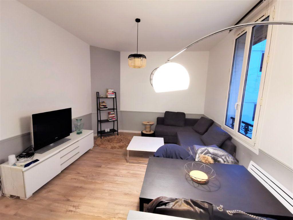 Appartement à louer 3 65.57m2 à Reims vignette-1