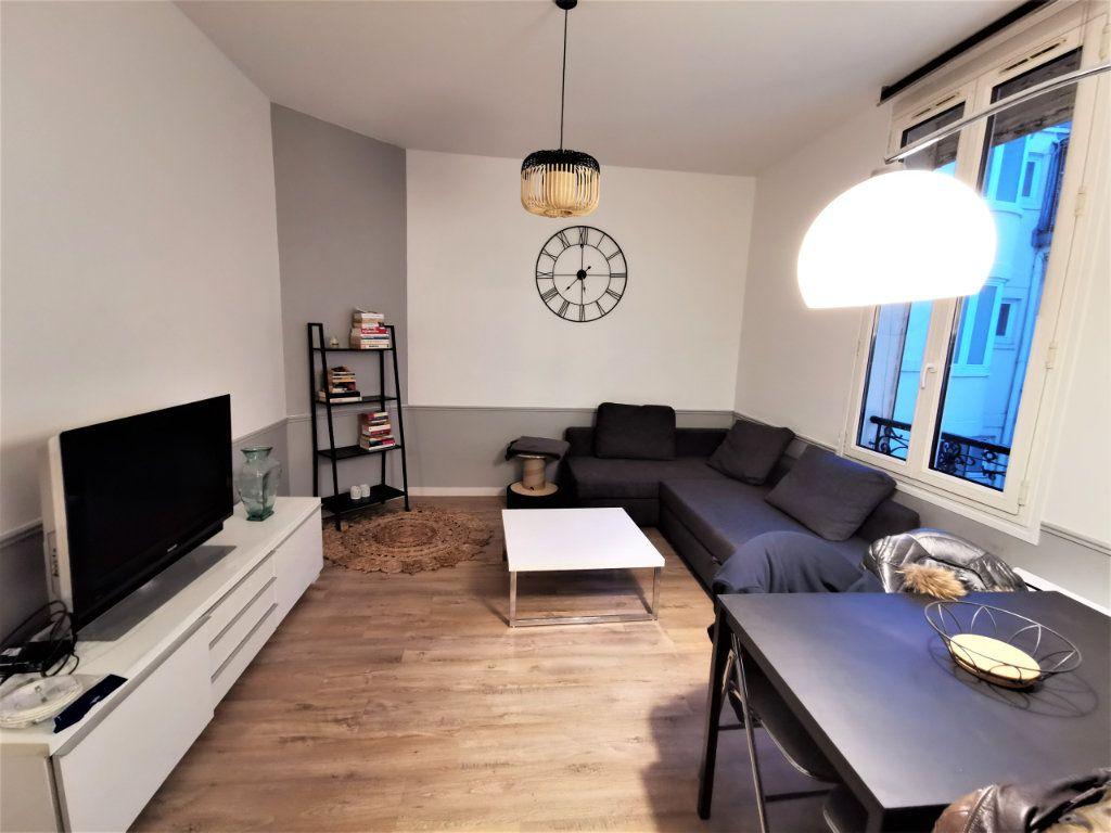 Appartement à louer 3 65.57m2 à Reims vignette-4