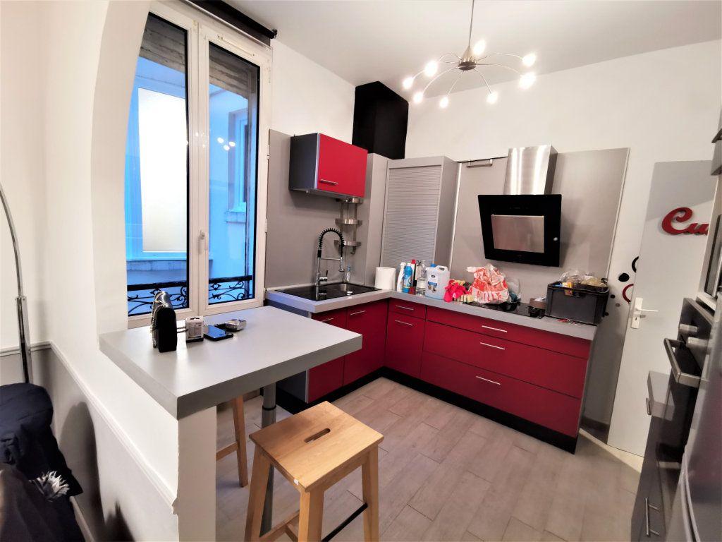 Appartement à louer 3 65.57m2 à Reims vignette-6