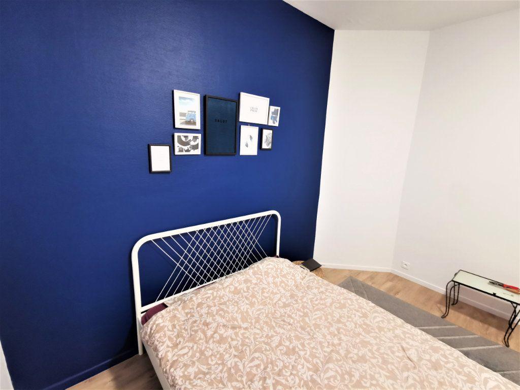 Appartement à louer 3 65.57m2 à Reims vignette-7