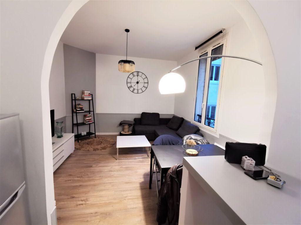 Appartement à louer 3 65.57m2 à Reims vignette-9