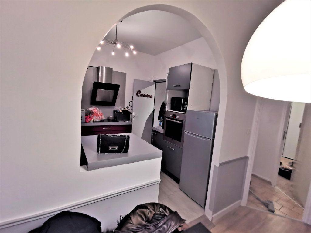 Appartement à louer 3 65.57m2 à Reims vignette-10