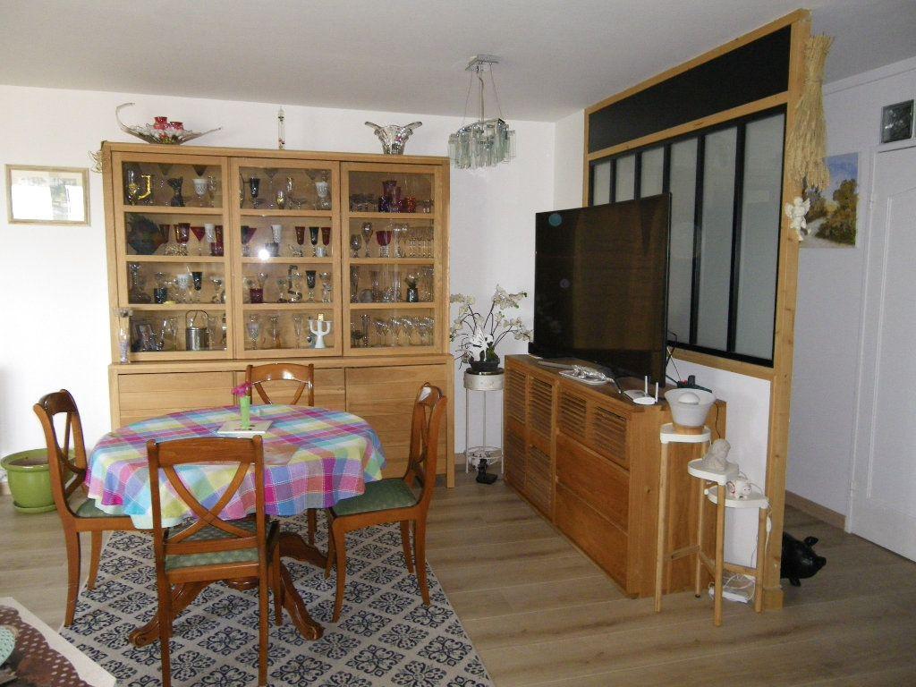 Appartement à vendre 4 91.92m2 à Reims vignette-1