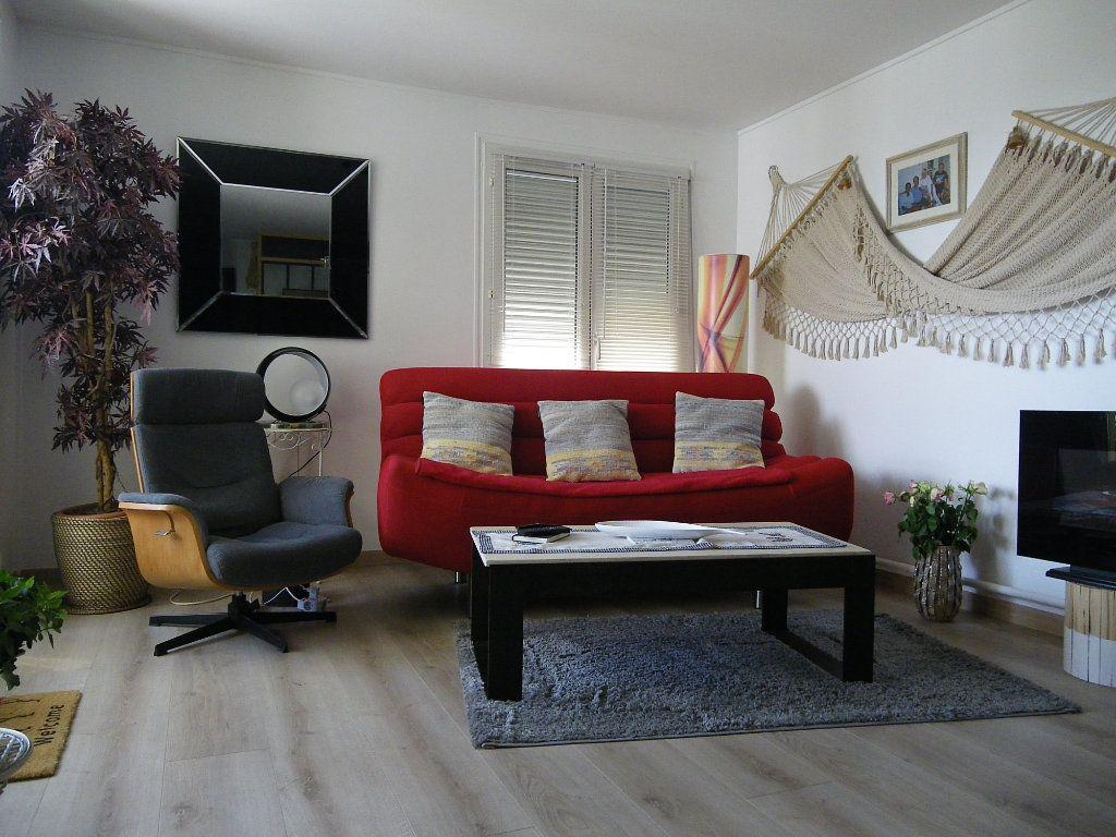 Appartement à vendre 4 91.92m2 à Reims vignette-3