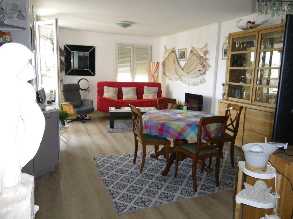 Appartement à vendre 4 91.92m2 à Reims vignette-4