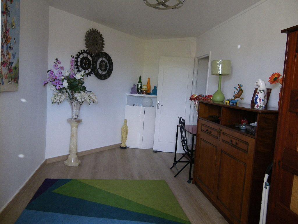 Appartement à vendre 4 91.92m2 à Reims vignette-8