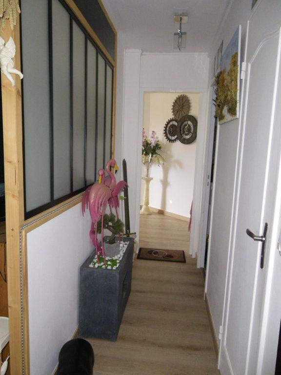 Appartement à vendre 4 91.92m2 à Reims vignette-9