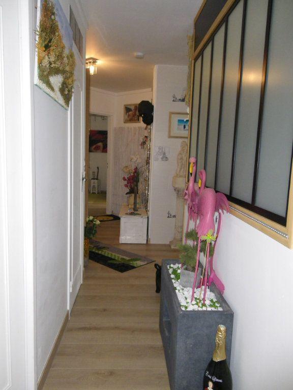 Appartement à vendre 4 91.92m2 à Reims vignette-10
