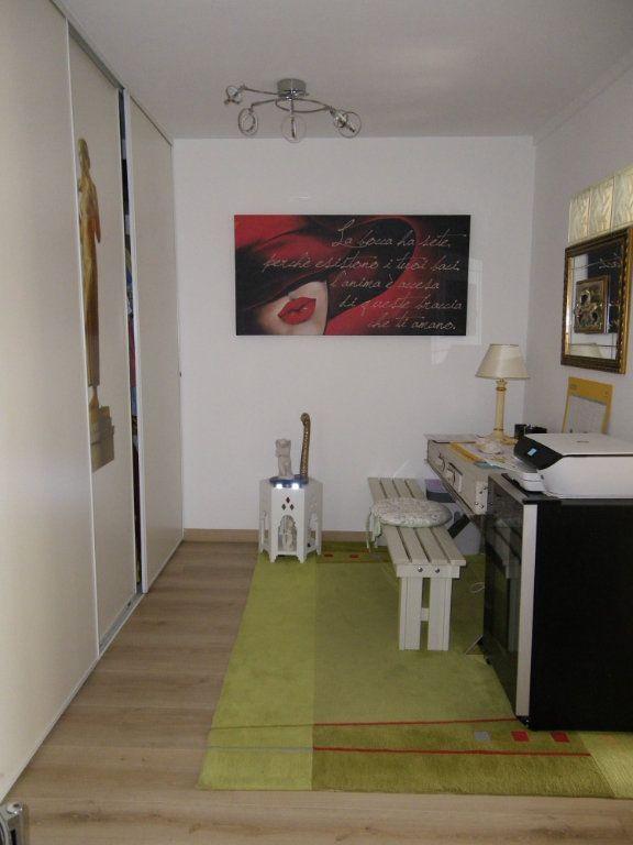 Appartement à vendre 4 91.92m2 à Reims vignette-11