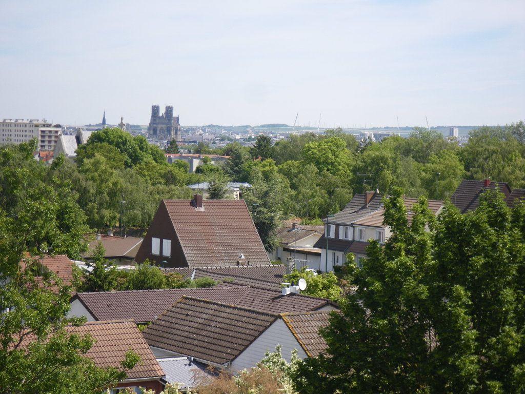 Appartement à vendre 4 91.92m2 à Reims vignette-18