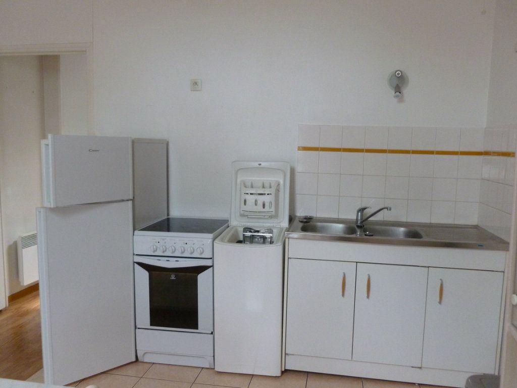 Appartement à louer 1 22.15m2 à Reims vignette-8