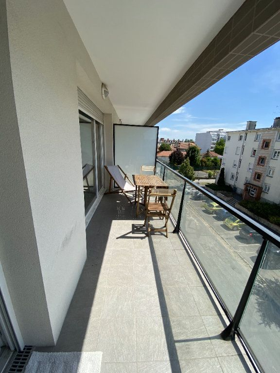 Appartement à vendre 3 68.5m2 à Reims vignette-2