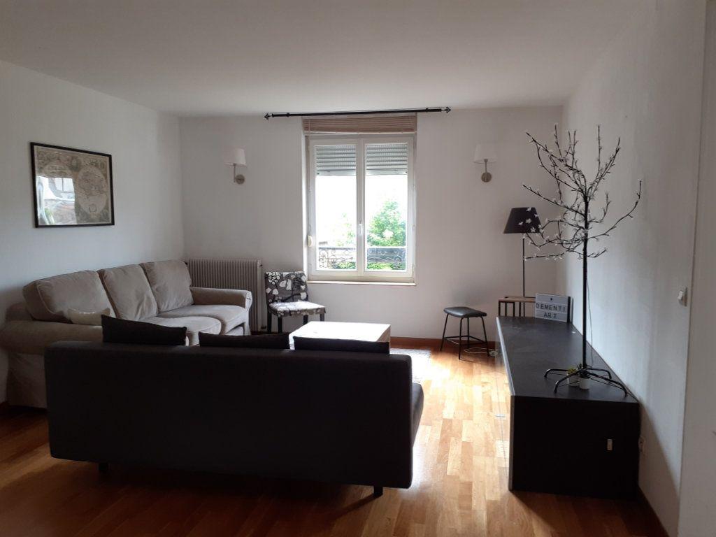 Appartement à louer 3 82.6m2 à Reims vignette-1