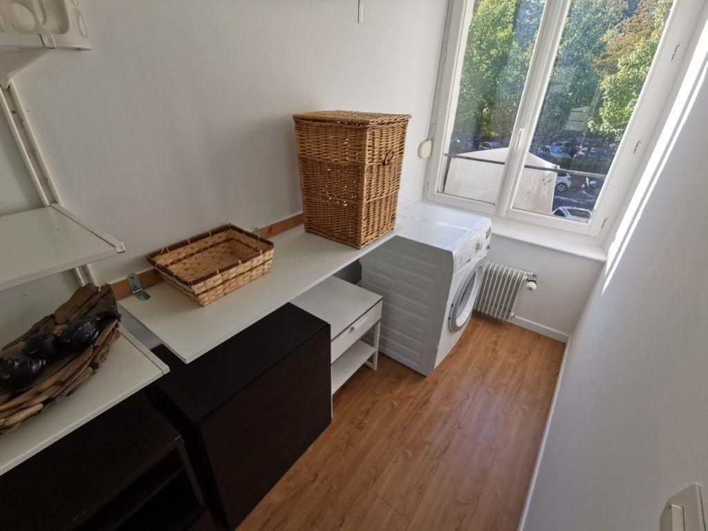 Appartement à louer 3 82.6m2 à Reims vignette-4