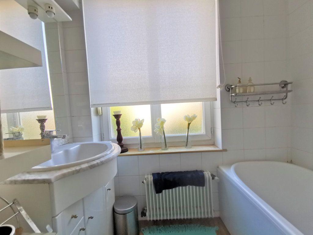Appartement à louer 3 82.6m2 à Reims vignette-5