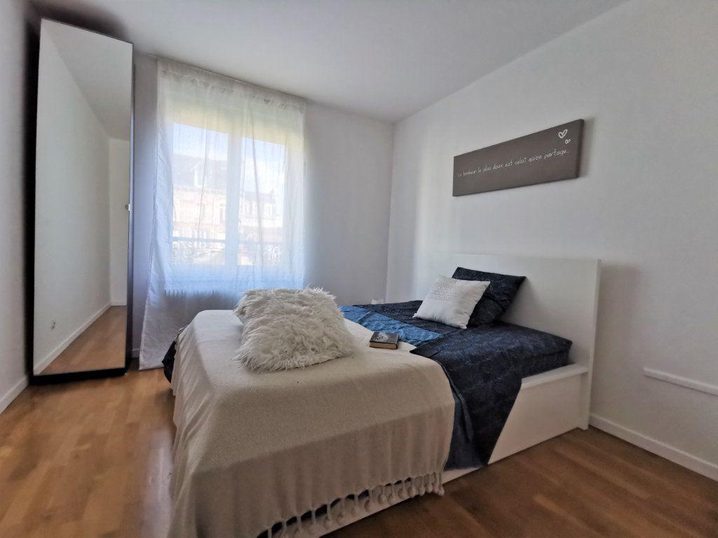 Appartement à louer 3 82.6m2 à Reims vignette-7