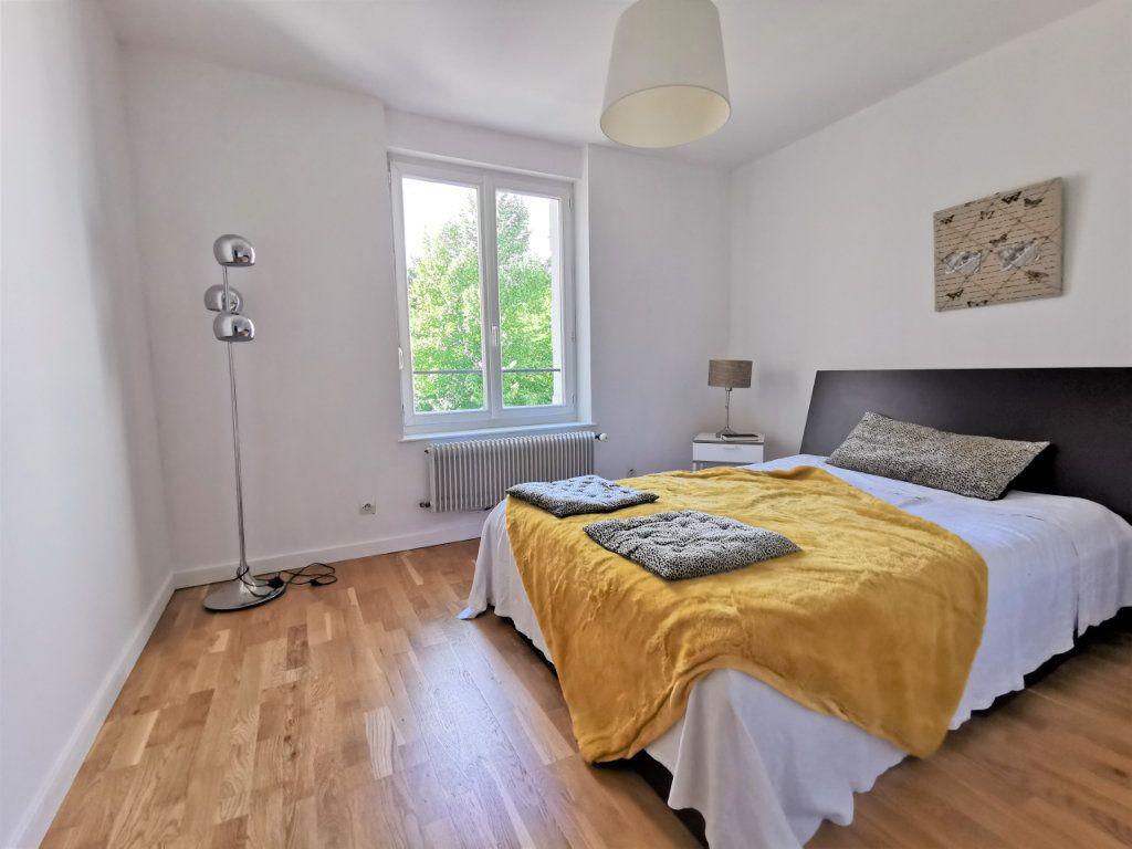 Appartement à louer 3 82.6m2 à Reims vignette-8