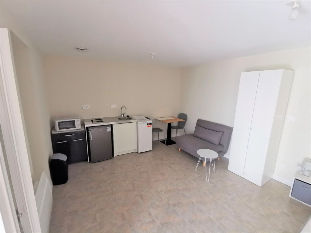 Appartement à louer 1 23m2 à Reims vignette-6