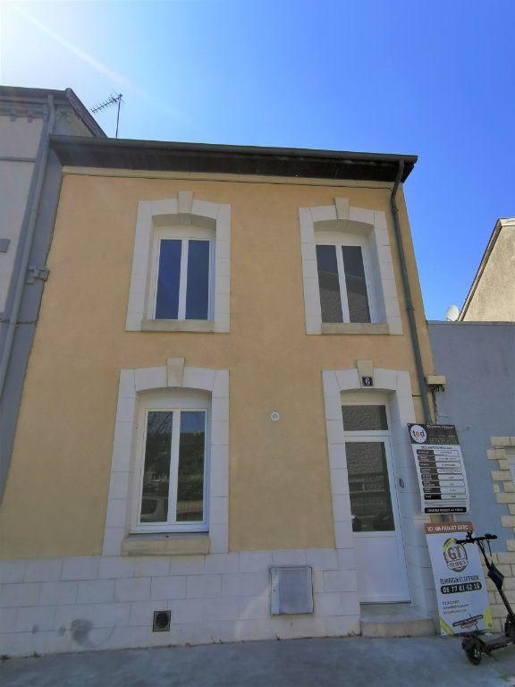 Appartement à louer 1 23m2 à Reims vignette-7