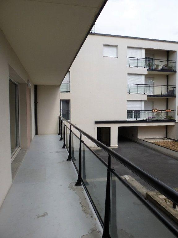 Appartement à vendre 3 68.95m2 à Reims vignette-3