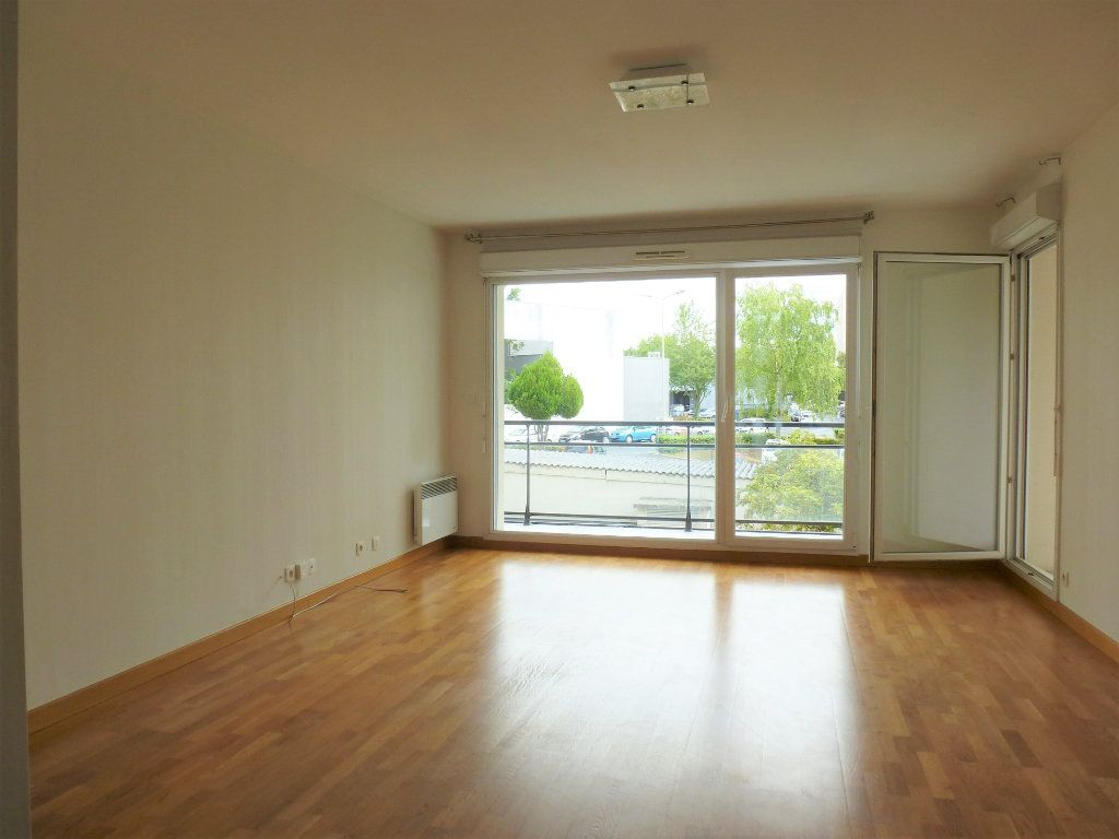 Appartement à vendre 3 68.95m2 à Reims vignette-4