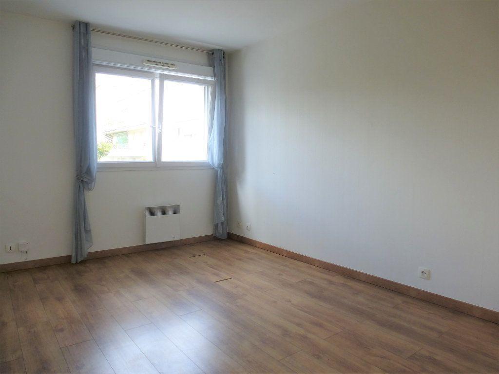 Appartement à vendre 3 68.95m2 à Reims vignette-6