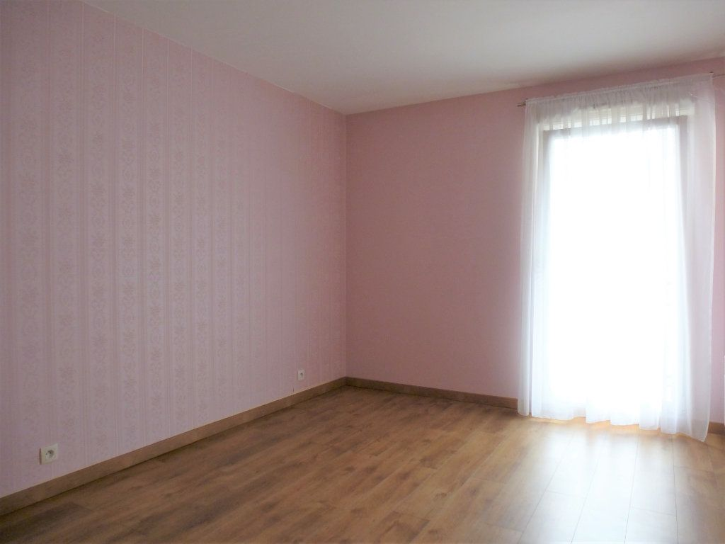 Appartement à vendre 3 68.95m2 à Reims vignette-7