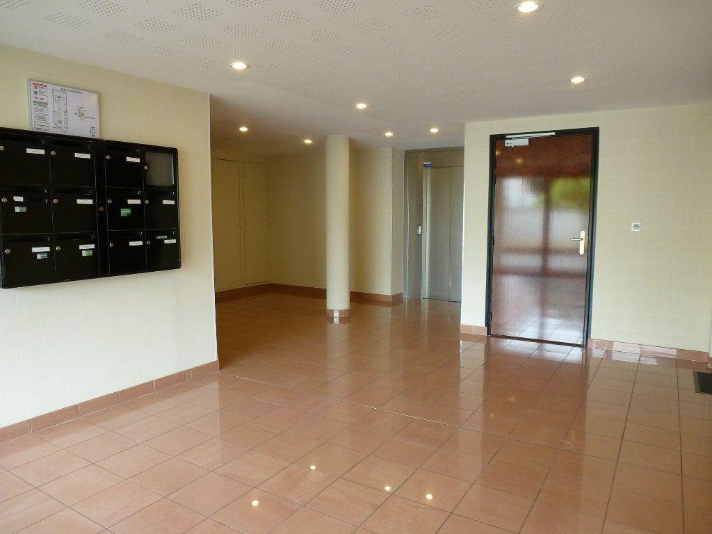 Appartement à vendre 3 68.95m2 à Reims vignette-8