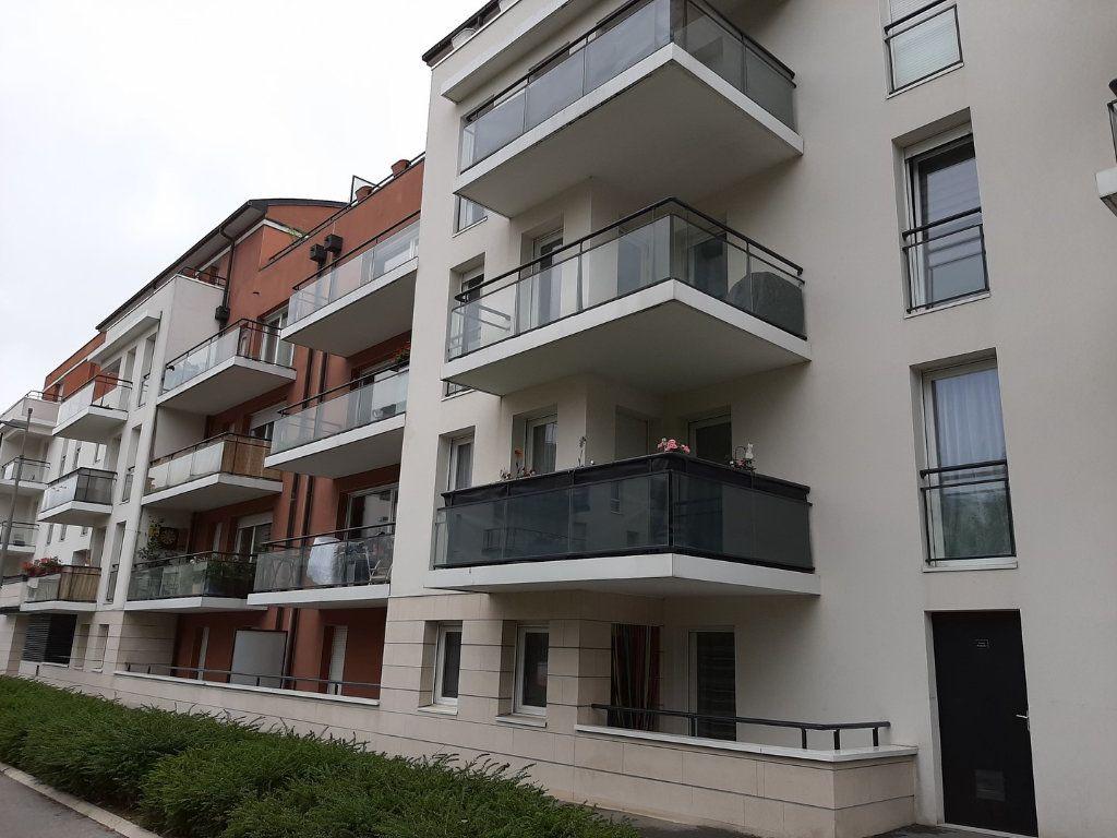 Appartement à vendre 1 42m2 à Reims vignette-1