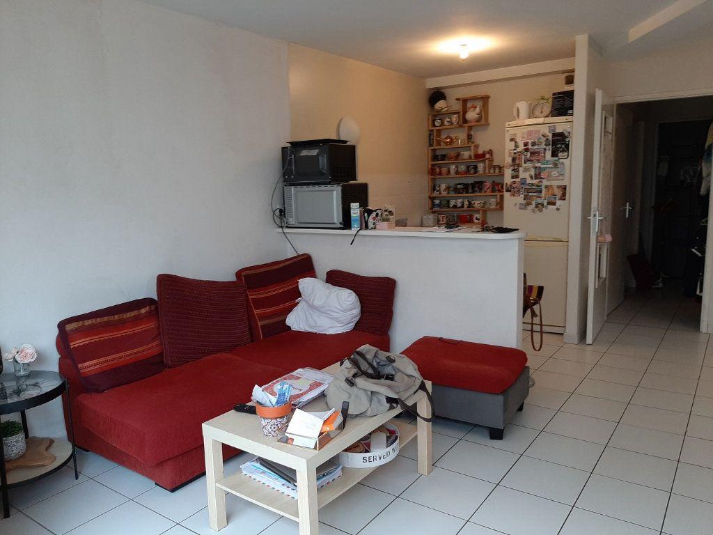 Appartement à vendre 1 42m2 à Reims vignette-4