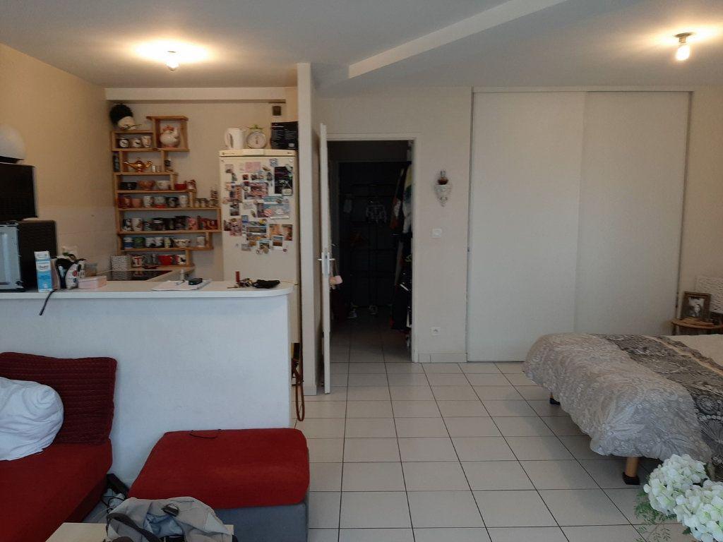 Appartement à vendre 1 42m2 à Reims vignette-6