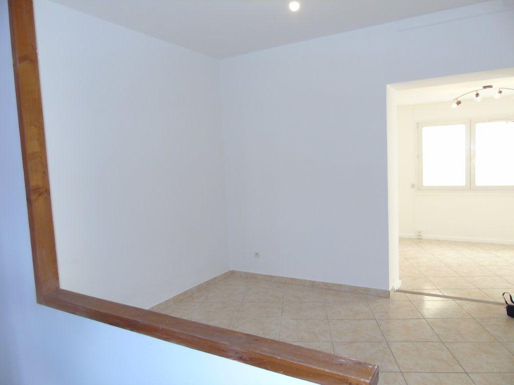 Maison à vendre 5 100m2 à Reims vignette-3