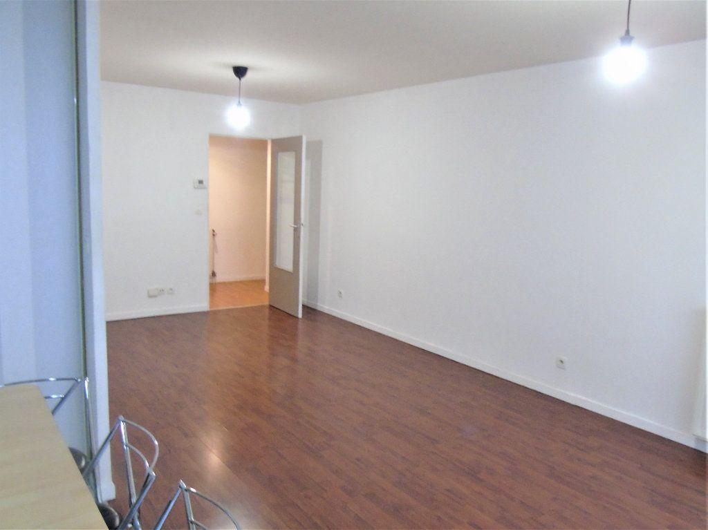 Appartement à vendre 4 75.2m2 à Reims vignette-5