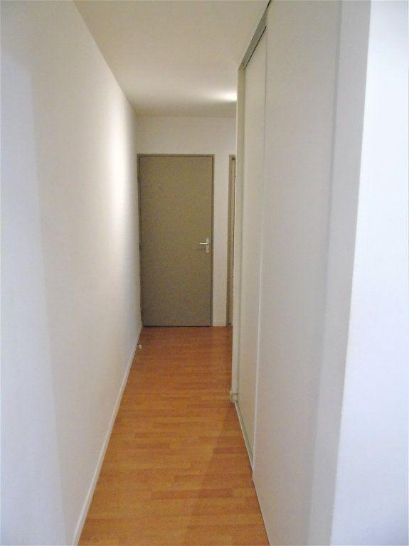 Appartement à vendre 4 75.2m2 à Reims vignette-6