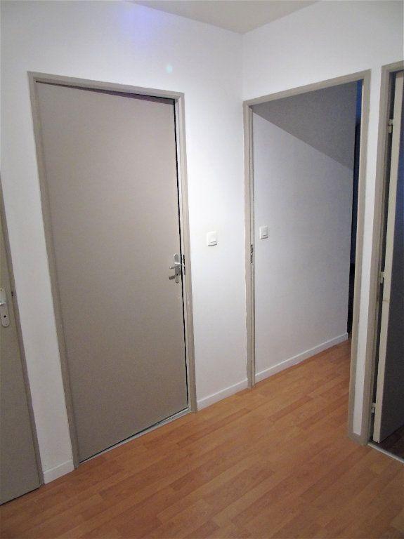 Appartement à vendre 4 75.2m2 à Reims vignette-7