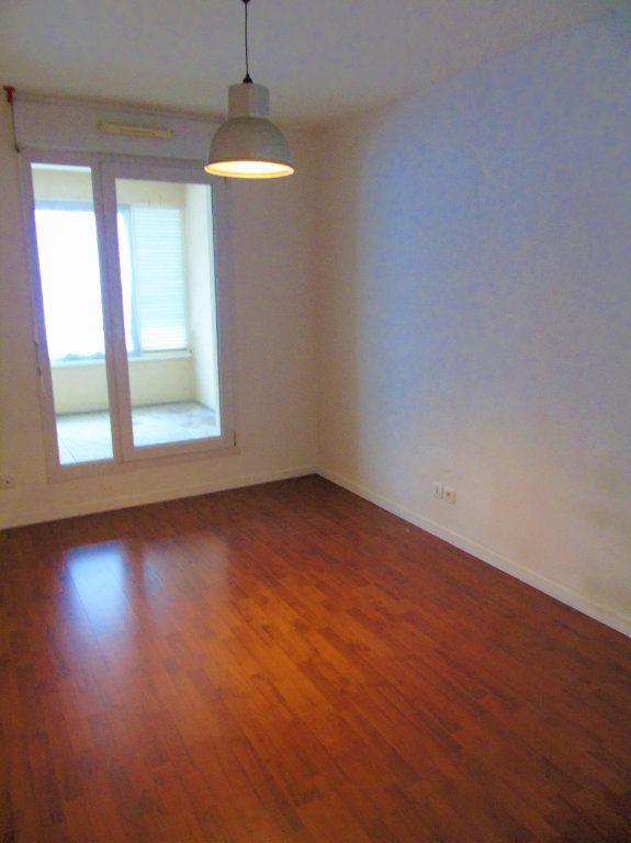 Appartement à vendre 4 75.2m2 à Reims vignette-8