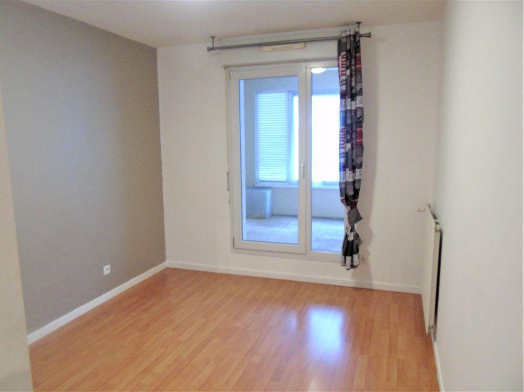 Appartement à vendre 4 75.2m2 à Reims vignette-9