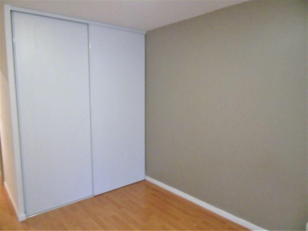Appartement à vendre 4 75.2m2 à Reims vignette-10
