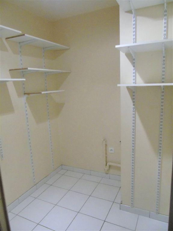 Appartement à vendre 4 75.2m2 à Reims vignette-12