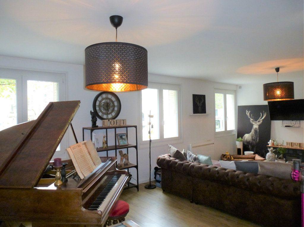 Appartement à vendre 4 92.5m2 à Reims vignette-1
