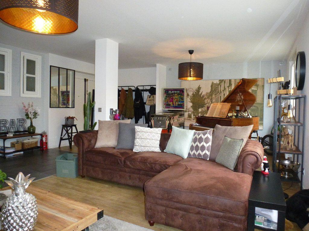 Appartement à vendre 4 92.5m2 à Reims vignette-2