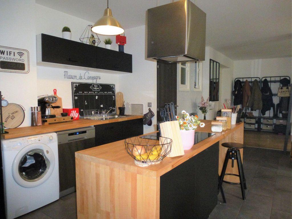 Appartement à vendre 4 92.5m2 à Reims vignette-4